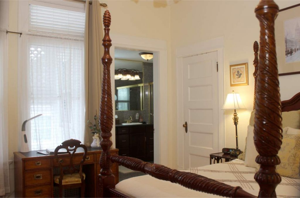 The Acacia Suite at St. Marys Bed & Breakfast Colorado Springs