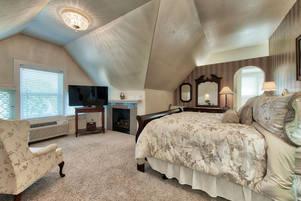 Honeymoon Suites in Colorado Springs